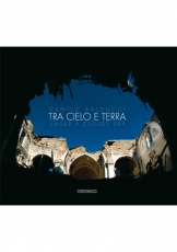 Copertina Tra cielo e terra - Under a Cloudy Sky